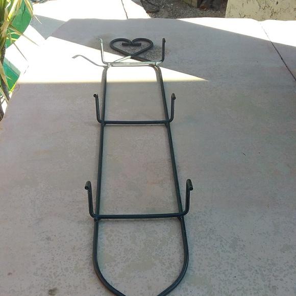 Other - 3 tier metal plate hanger